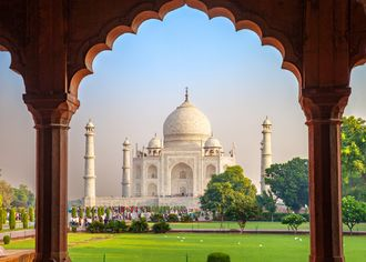 Pohled na Taj Mahal v Agře