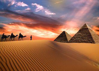 Pyramídy v púšti