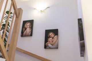 Obrázek 3 obrazy nad schodištěm, rozměr 40x60 cm